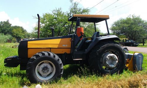 tractor_amarillo